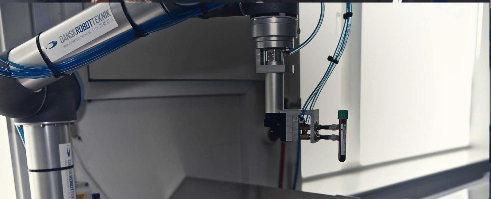robots colaborativos de laboratorio