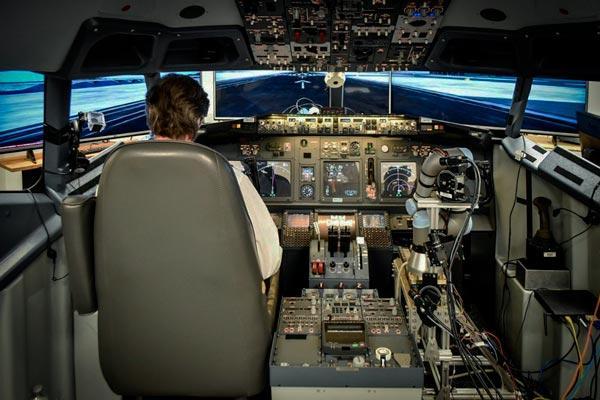 Piloto humano con co-piloto robótico